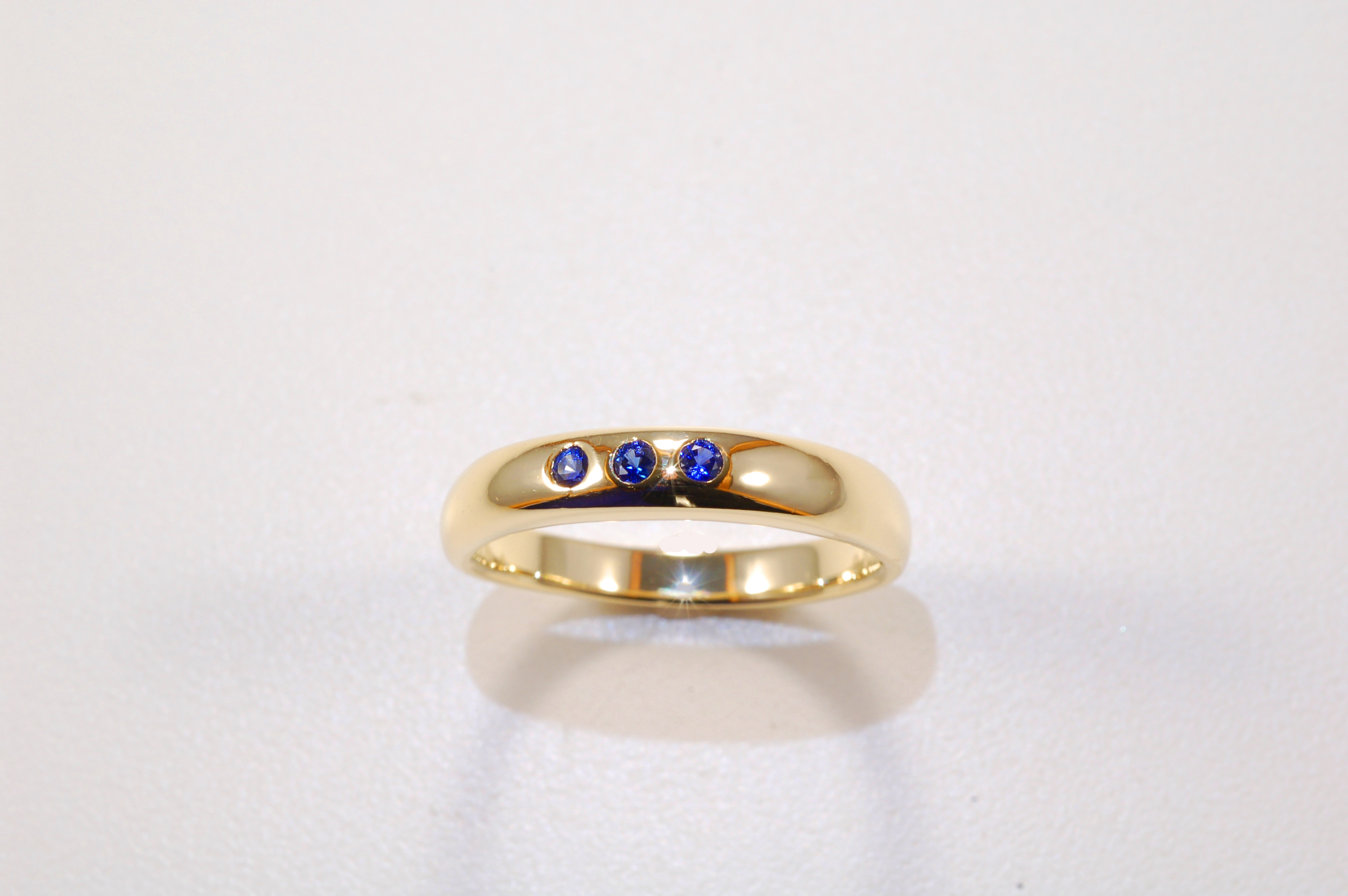 diamond three desktopdefault golden cut with a sapphire stone and cushion claw kashmir set ring
